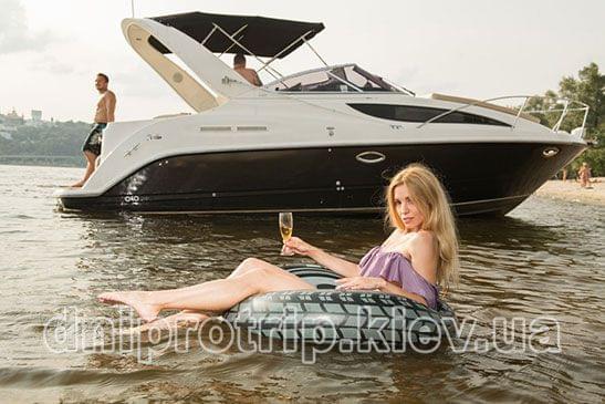 "Яхта ""Bayliner 285"""